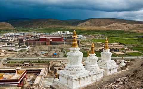 9 Days Lhasa to Everest Base Camp Tour with Sakya Monastery
