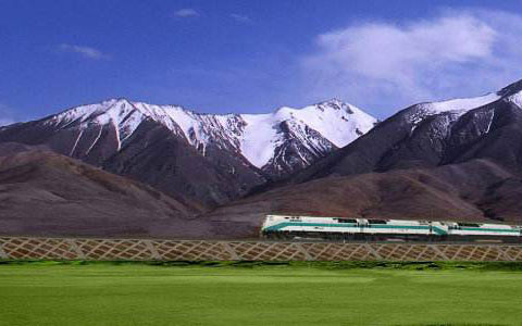 What Makes Qinghai-Tibet Train Special