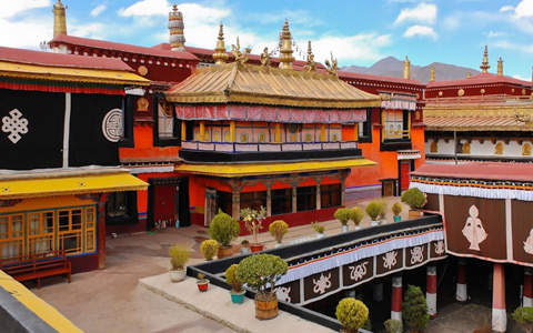 10 Days Hong Kong, Chengdu, and Xining to Lhasa Tour by Train