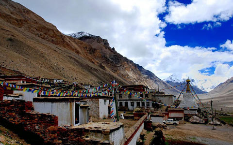 11 Days Lhasa to Everest Base Camp and Namtso Lake Small Group Tour by Train