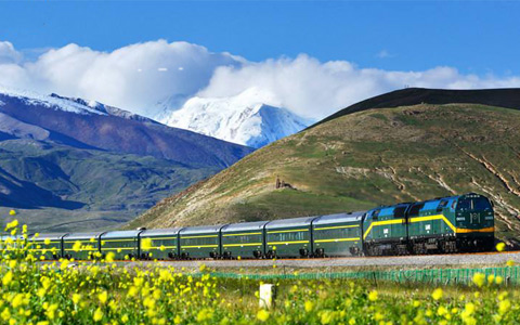 New Inter-city Train between Xining and Delingha Was Added to Faciliate Tourists in Spring