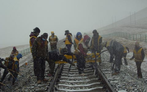 Lhasa-Nyingchi Railway Starts Construction in 2014