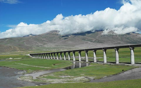 Qinghai-Tibet Railway Delivers Record High Passengers