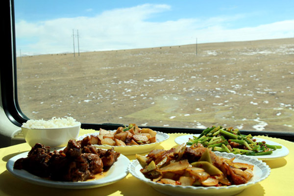 Meals on Golmud-Lhasa Train