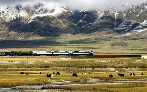 Why First-timers in China Should Choose Beijing-Lhasa Train via Xi'an to Tibet