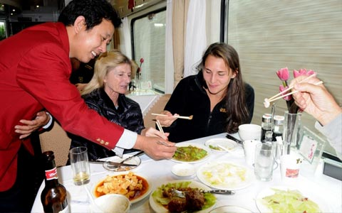 Food and Drink on the Tibet Train