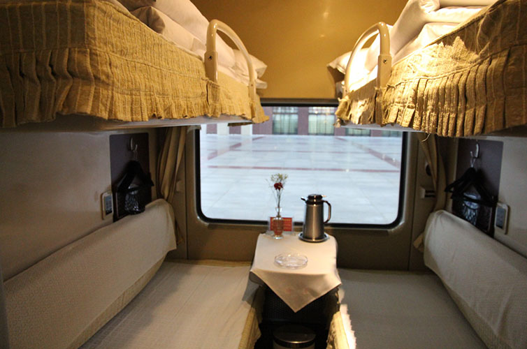 Soft sleeper cabin