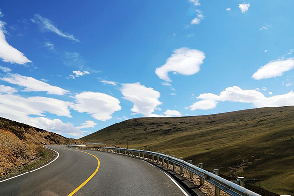 Highway from Qinghai to Tibet