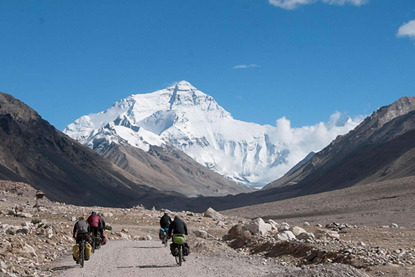 Cycle from Lhasa to Everest Base Camp