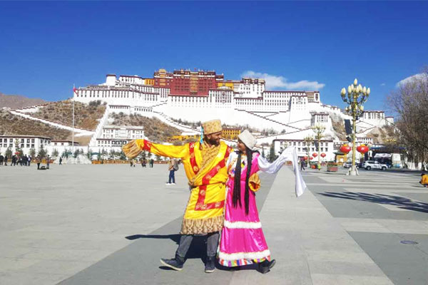 Visit Potala Palace during Honeymoon