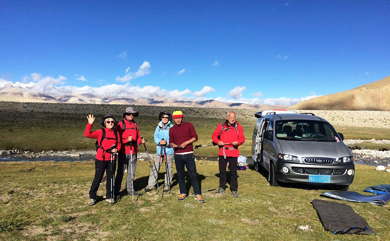 Join in a Tibet trekking group tour with us!
