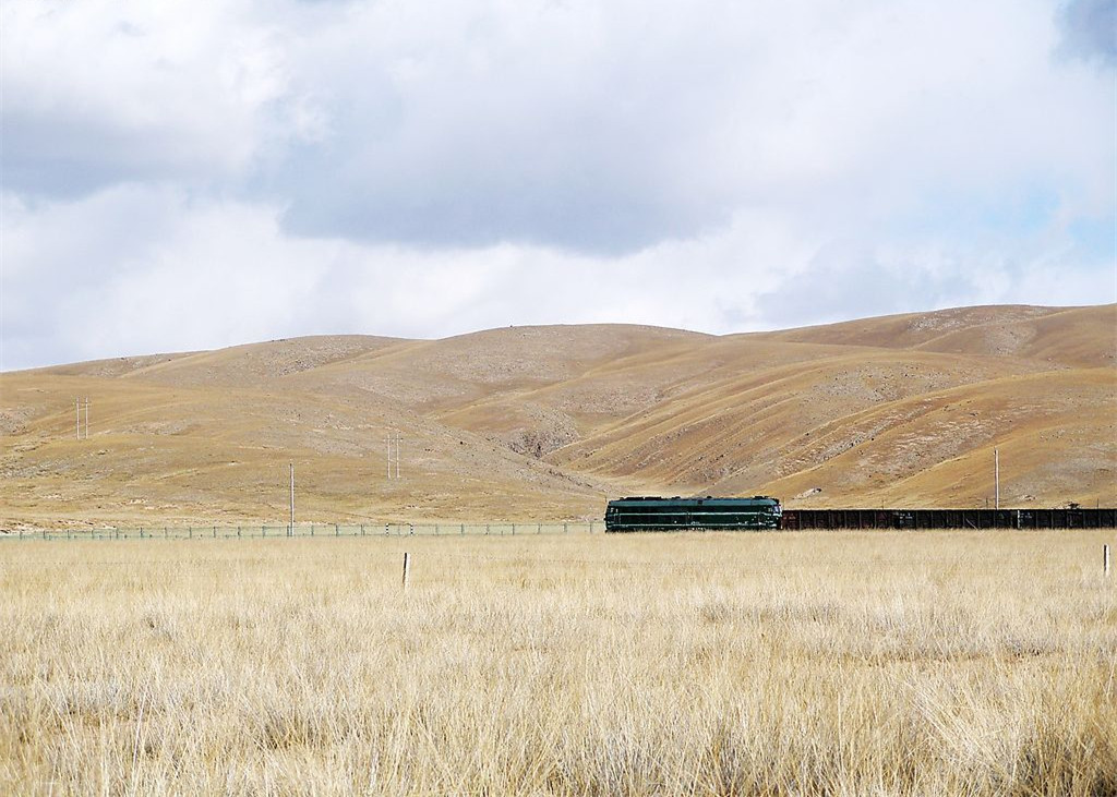 Sightseeing on the Qinghai-Tibet Train