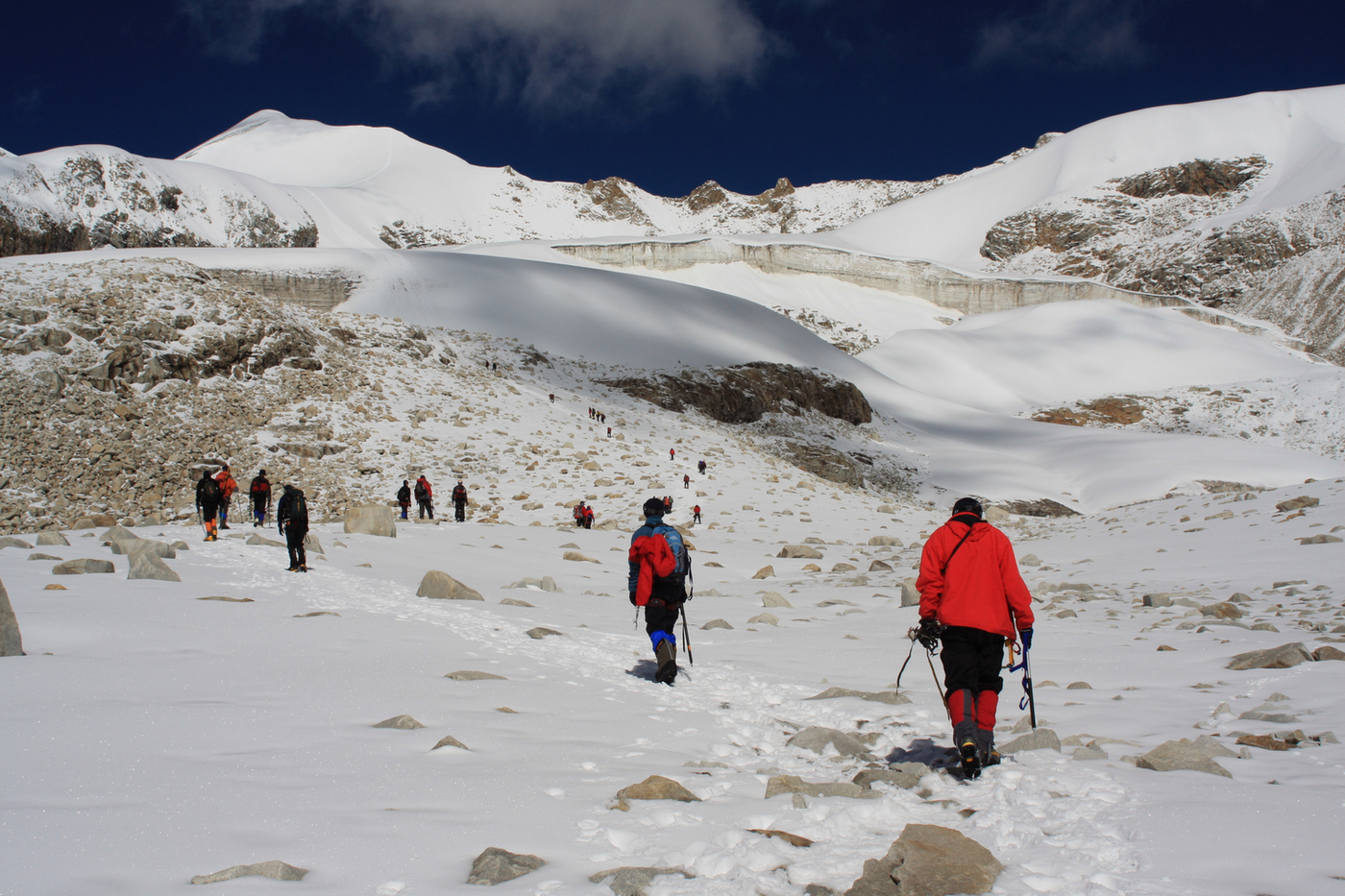 Tibet Receives 73 Foreign Mountaineering Groups Last Year
