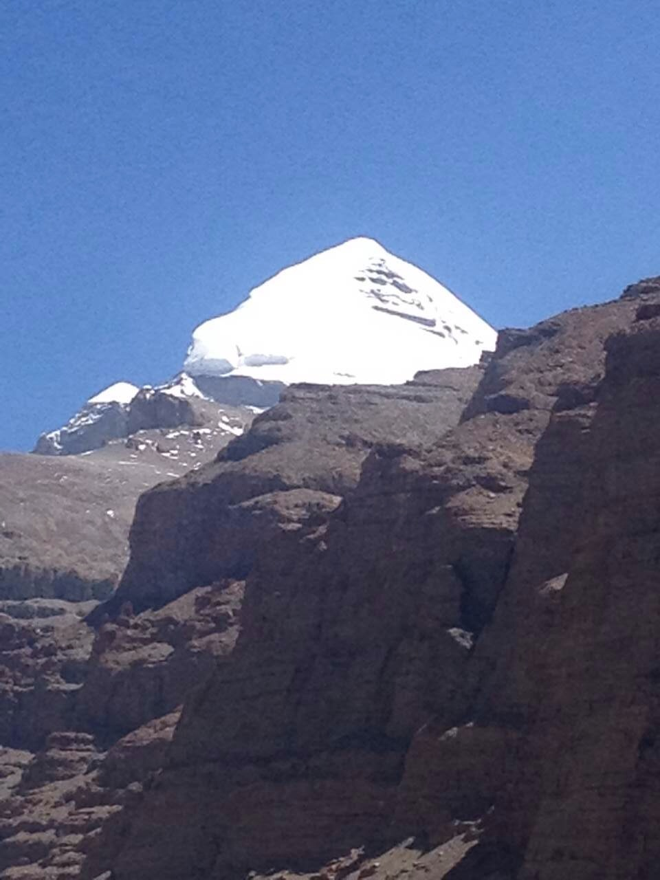 This is a picture taken by our customer at the foot of Mt. Kailash.