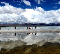 Tourists visit Lake Namsto, June 23. Summer is the best time to visit Lake Namsto, Nagqu Prefecture. The lake, China's second largest saltwater lake next to the Qinghai Lake in NW China's Qinghai Province, is located at an elevation of 4,718 meters and has a total area of more than 1,920 square km. The lake is currently in process of building itself into a high-end tourism attraction in planned steps, according to regional tourism depertment in Nagqu Prefecture, northern Tibet.